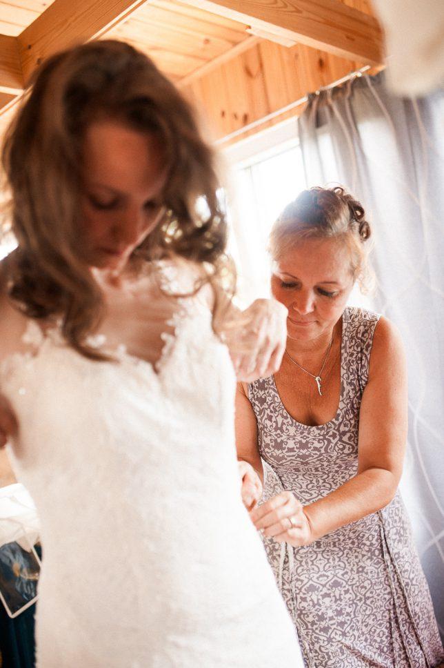 freie Trauung, Hochzeitsfotografie Dresden, Leipzig, Hochzeitsfotograf Sachsen, Landhochzeit, Getting Ready Braut, Brautmutter